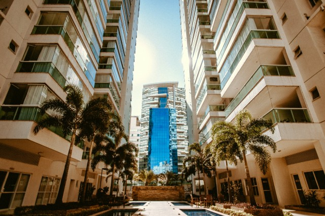 What is the Difference Between a Condo and Townhouse?